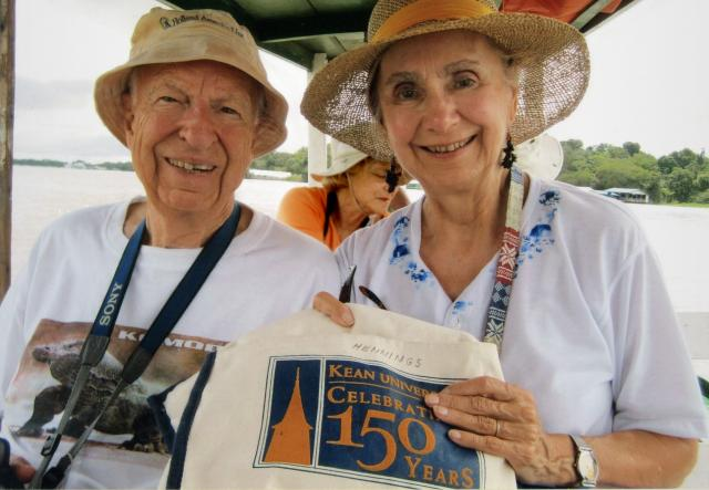George and Dorothy Hennings carry a Kean University tote bag on their travels.