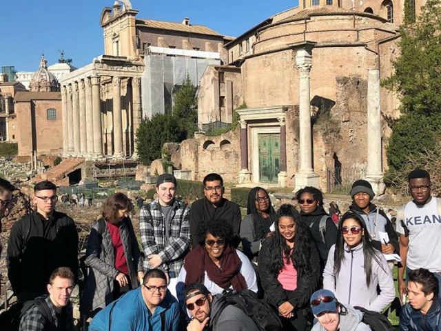 A group of Kean studies studying in Rome.