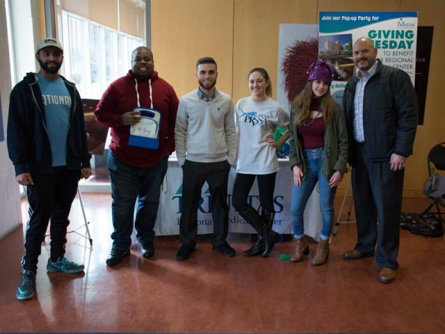 PRSSA students organized a Giving Tuesday e