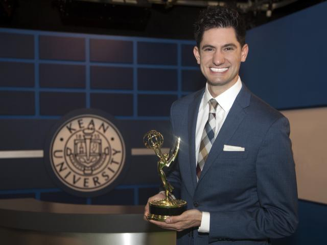 Kean alumnus Mike Rizzo won a New York Emmy Award for his work in weather broadcasting