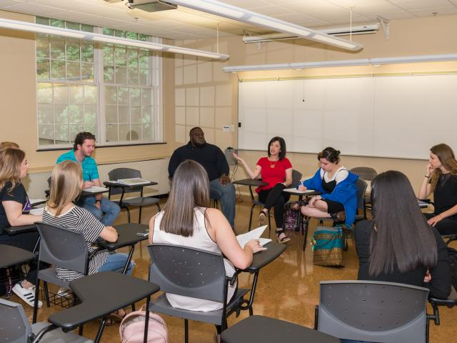 Kean professor Monica Levine-Sauberman instructs a child psychology class