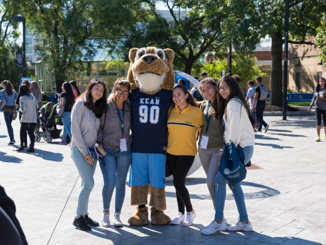 Open House 2018 Cougar