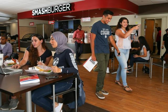 Students dine at Kean University's Smashburger restaurant