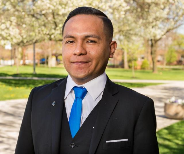 Daniel Flores, Admissions Counselor headshot