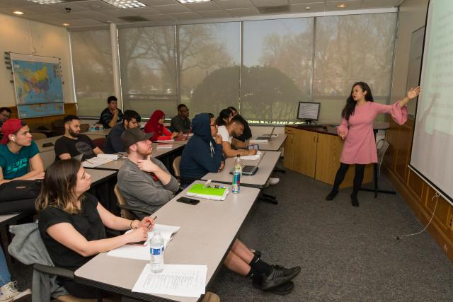 Kean Professor Xurong Kong instructs Asian Studies class