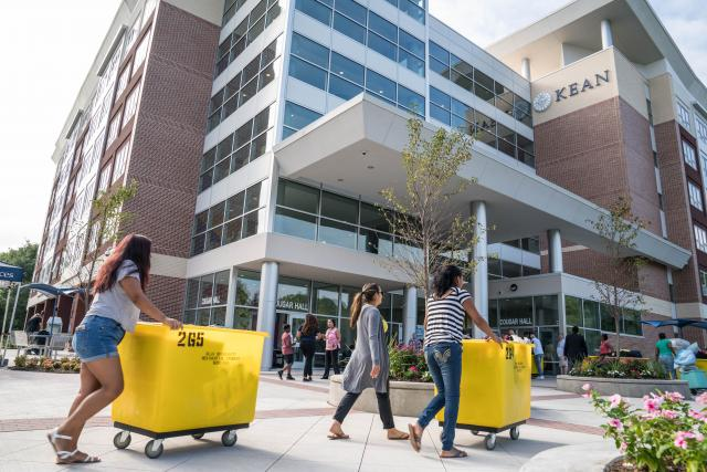 Freshmen move in to the residence halls