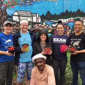 Kean volunteers participate in community gardening project